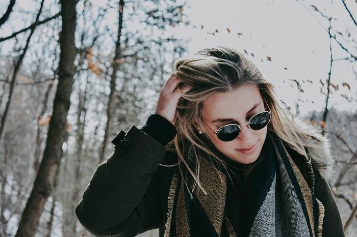 Dámsky kabát a trendy šál